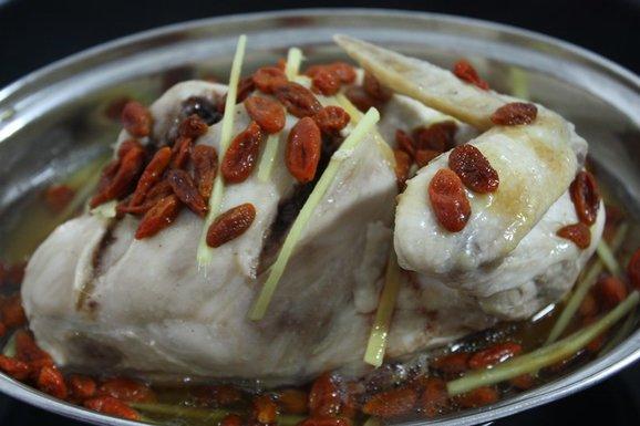 Steamed Chicken with Codonopsis (Dang Shen) & Goji Recipe