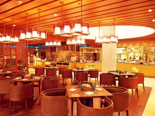 The Dining Area Was Huge And Spacious With Buffet Line Spanning Across Almost Entire Restaurant