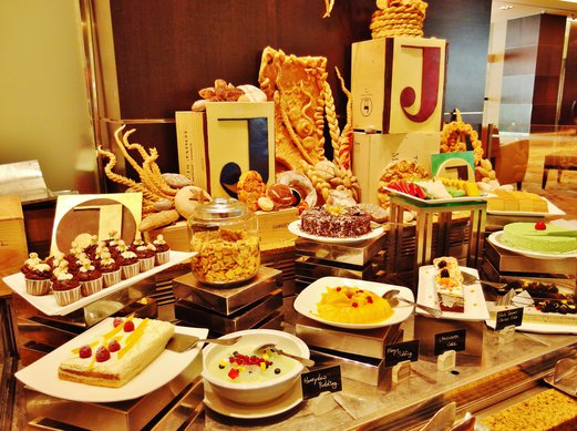 weekend brunch buffet cafebiz hotel jen tanglin