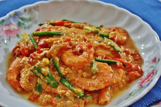 10. Singapore Chilli Crab Style Prawns