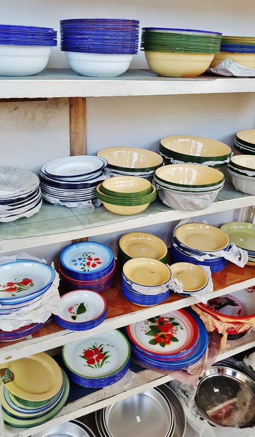 Old-School Crockery and Enamelware from Hai Seng Porcelain @ Sago Lane