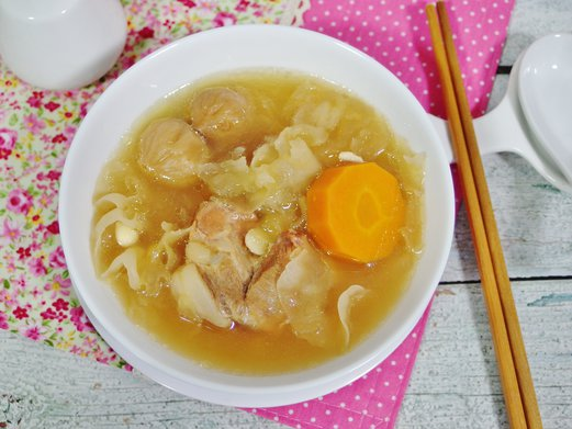Lung nourishing white fungus soup spring tomorrow white fungus soup recipe forumfinder Gallery