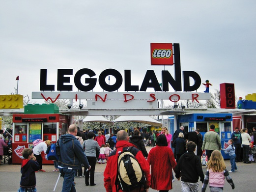 11 Places to Visit in England | Day Trips from London | Legoland Windsor