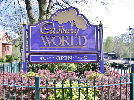 11 Places to Visit in England | Day Trips from London | Cadbury World