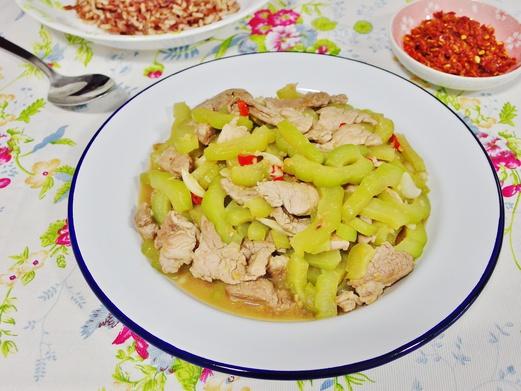 Stir Fried Bitter Gourd Recipe (with pork shoulder)