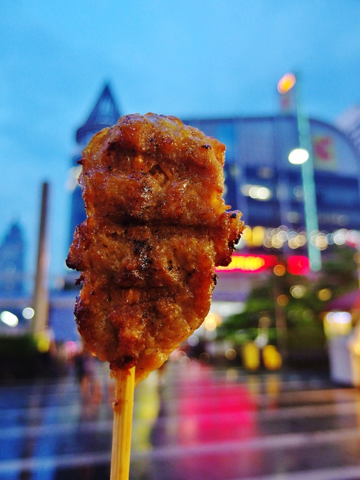 Bangkok Food Guide - What to eat in Bangkok - Moo Yang