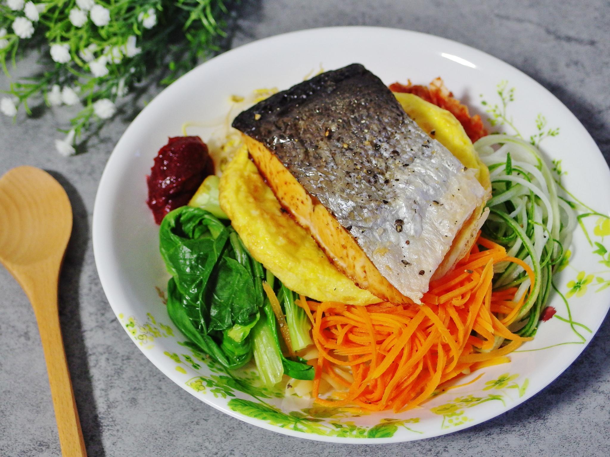 Salmon Pasta Bibimbap Recipe