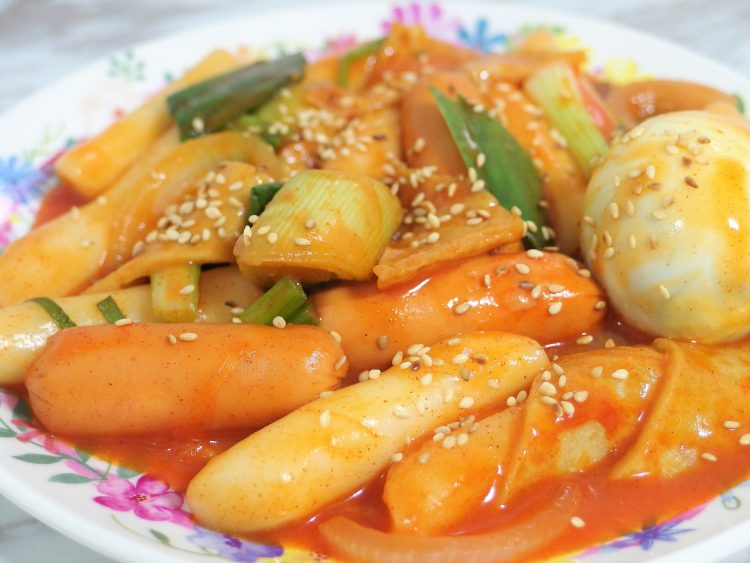 Tteokbokki Recipe - Spicy Korean Rice Cakes